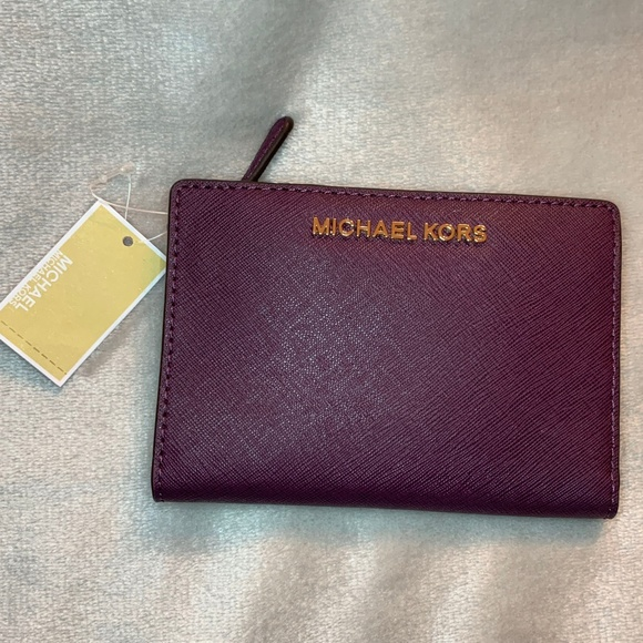 69495d8f6314 New Michael Kors Jet Set Travel Card Case Carryall